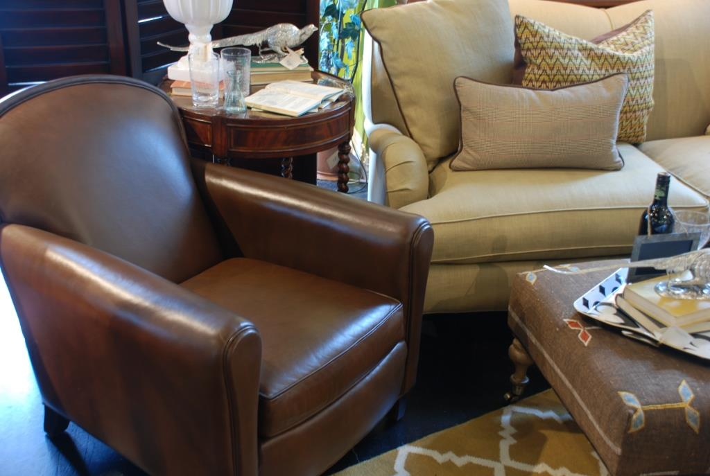 Decorating With Leather Furniture 3, Leather Living Room Groupings